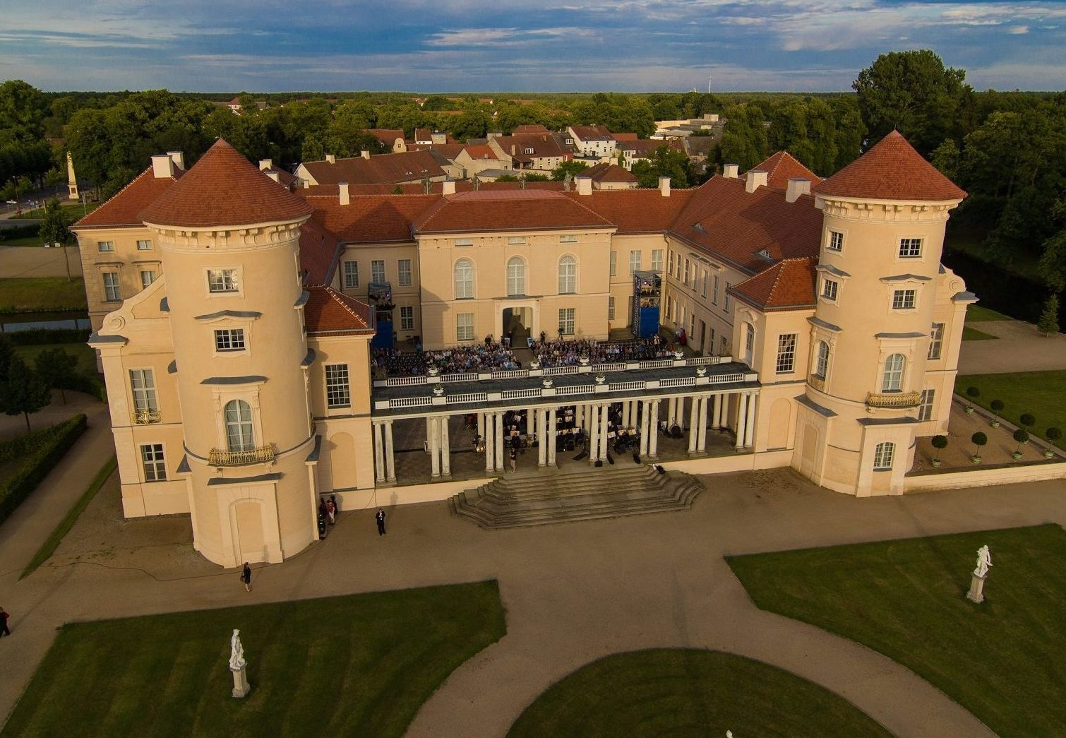 Schloss Rheinsberg aus der Luft