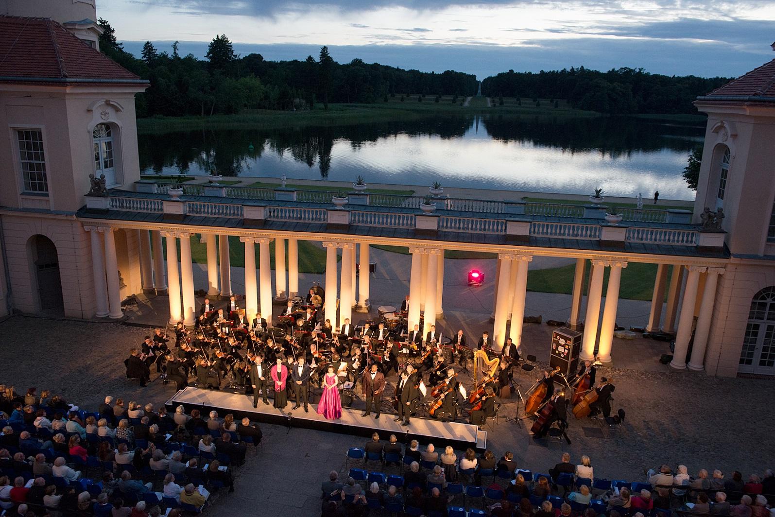Operngala im Schlosshof Rheinsberg
